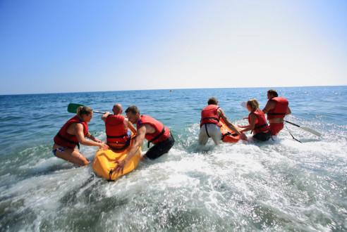 team-building-en-cadiz-beach-games-exploramas-4